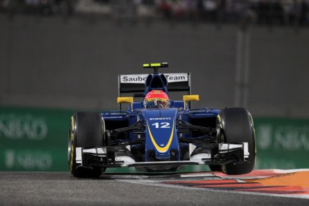 Фелипе Наср в гонке на Гран При Абу-Даби 2015