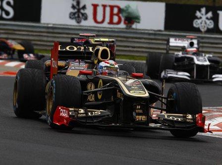 Виталий Петров в гонке на Гран При Венгрии 2011