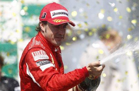 Фернандо Алонсо - победитель Гран При Бразилии 2010