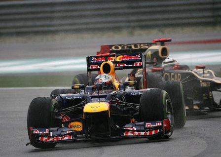 Себастьян Феттель в гонке на Гран При Малайзии 2012