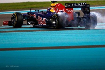 Марк Уэббер в гонке на Гран При Абу-Даби 2012
