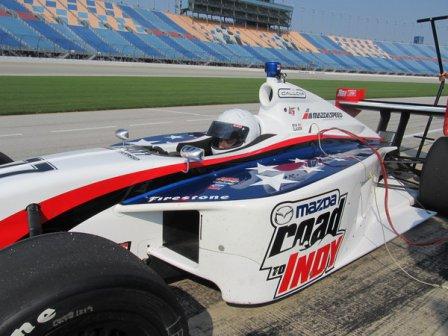 Тренировочные заезды новичков Indy Lights в Чикаго 2011