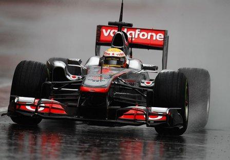 Льюис Хэмилтон, McLaren MP4-26 на тестах в Барселоне 2011