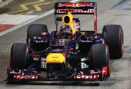 Себастьян Феттель в гонке на Гран При Сингапура 2012
