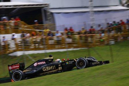 Роман Грожан в гонке на Гран При Бразилии 2015