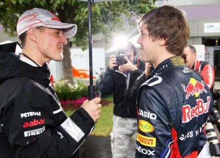 Михаэль Шумахер и Себастьян Феттель на Гран При Австралии 2011