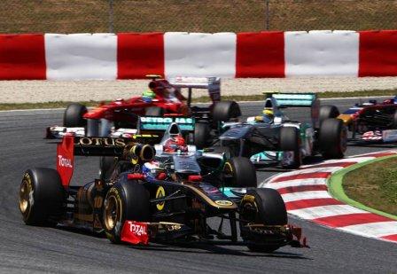 Виталий Петров в гонке на Гран При Испании 2011