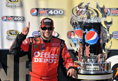 Тони Стюарт - победа в гонке Pepsi Max 400 2010