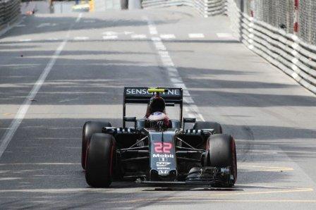 Поврежденный McLaren Дженсона Баттона