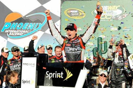 Джефф Гордон - победитель гонки Subway Fresh Fit 500 2011
