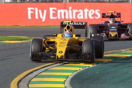 Джолион Палмер в гонке на Гран При Австралии 2016