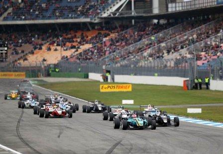 Старт второй гонки Европейской Формулы 3 в Германии 2010
