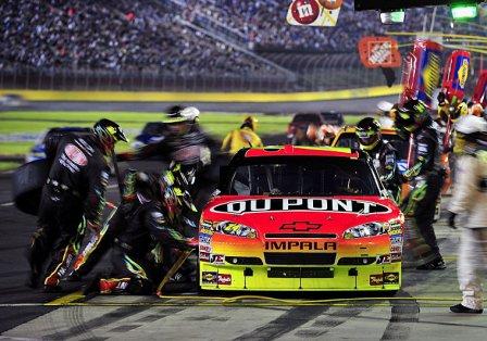 Джефф Гордон, пит-стоп в гонке в Шарлотте 2010