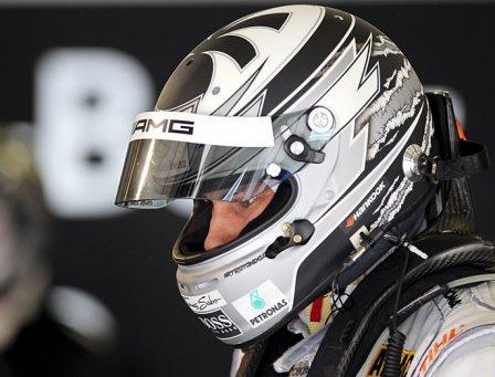 Гэри Паффет на этапе в Нюрбургринге серии DTM 2011