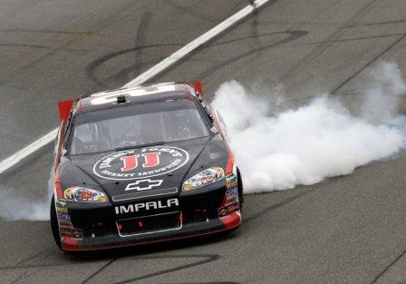 Кевин Харвик - победа в гонке Auto Club 400 2011