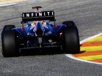 Болид Red Bull RB7 с логотипом Infiniti