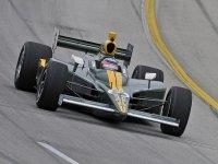 Такума Сато во время гонки в Кентукки серии IndyCar 2011
