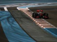 Льюис Хэмилтон в квалификации на Гран При Абу-Даби 2012