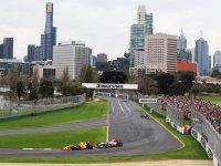 Роберт Кубица и Льюис Хэмилтон на Гран При Австралии 2010