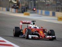Себастьян Феттель в квалификации на Гран При Бахрейна 2016