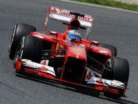 Фернандо Алонсо в гонке на Гран При Испании 2013