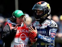 Хорхе Лоренцо после аварии на Гран При Австралии 2011