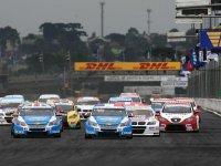 Старт первой гонки ГП Бразилии WTCC 2011