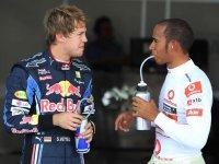 Себастьян Феттель и Льюис Хэмилтон на Гран При Японии 2010