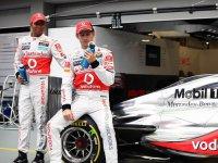 Льюис Хэмилтон и Дженсон Баттон на Гран При Сингапура 2011