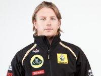 Кими Райкконен в одежде команды Lotus Renault GP