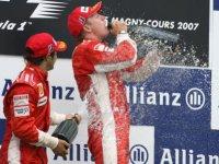 Дождь из шампанского для Ferrari