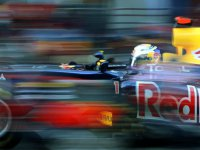Себастьян Феттель в автомобиле Red Bull RB7 на тестах в Барселоне