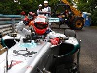 Михаэль Шумахер, сход в гонке на Гран При Венгрии 2011