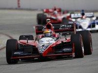 Джастин Уилсон во время гонки в Лонг-Бич серии IndyCar 2011