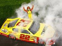 Курт Буш - победитель гонки Budweiser Shootout 2011