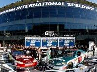 Дейл Эрнхадт мл. и Джефф Гордон - квалификация к гонке Daytona 500 2011