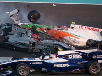 Авария Михаэля Шумахера и Витантонио Лиуцци на Гран При Абу-Даби 2010