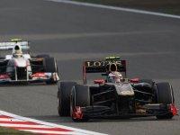 Виталий Петров в гонке на Гран При Китая 2011