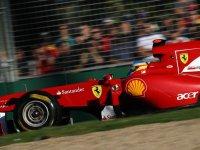 Фернандо Алонсо в гонке на Гран При Австралии 2011